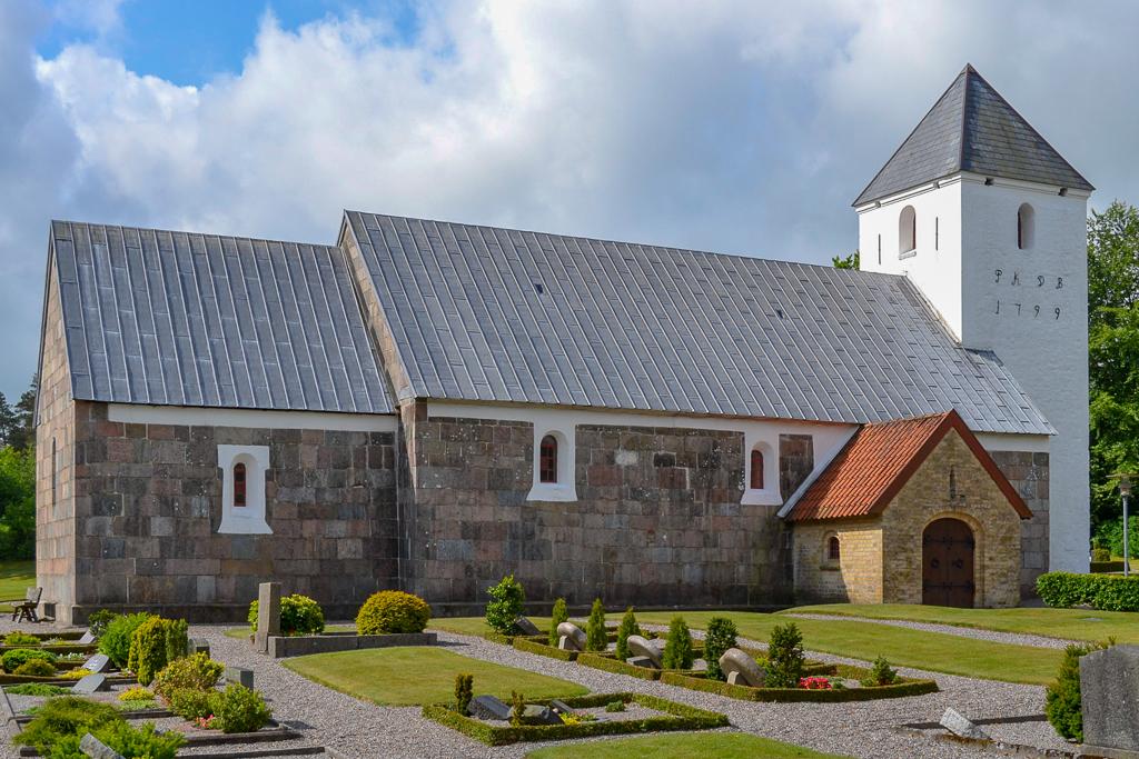 Tved Kirke