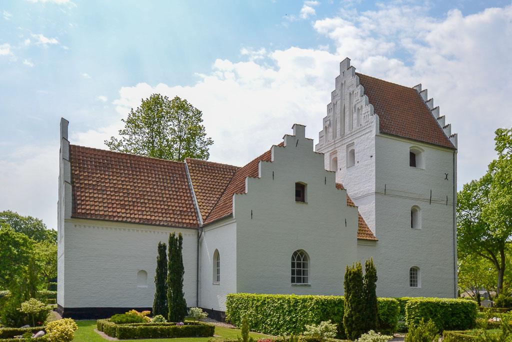 Birkende Kirke foto 2