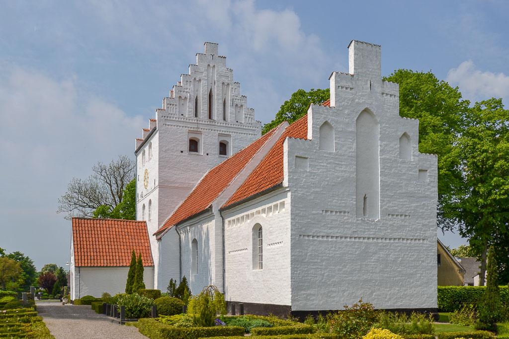 Birkende Kirke foto 4
