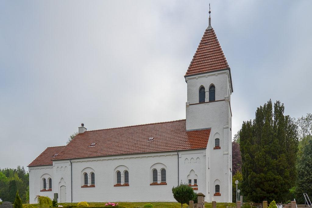 Broholm Kirke foto 1