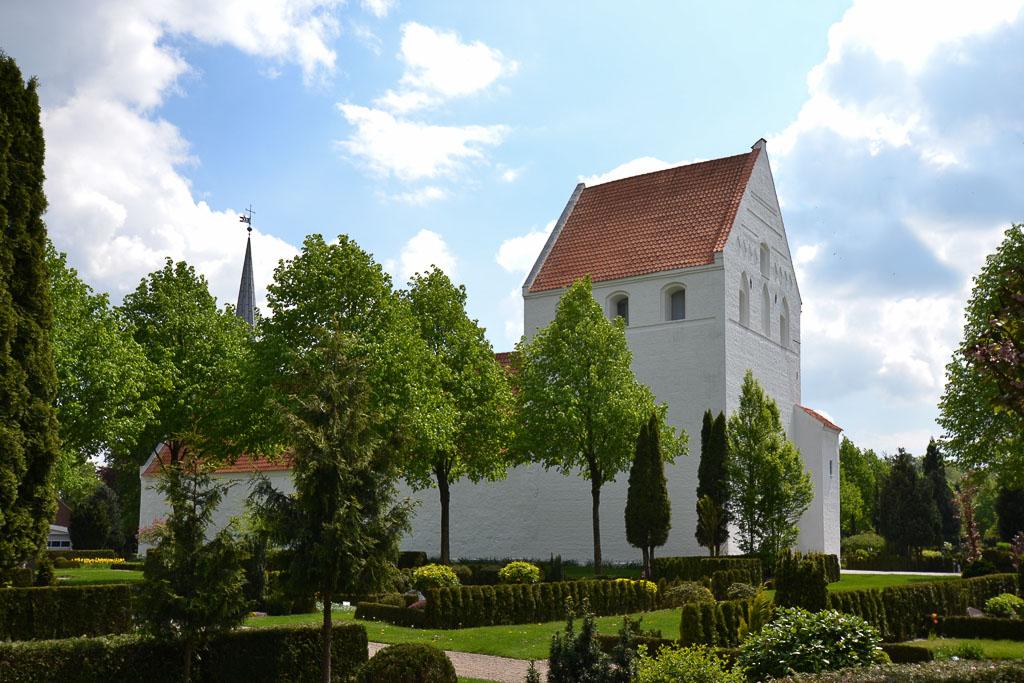 Vissenbjerg Kirke foto 1