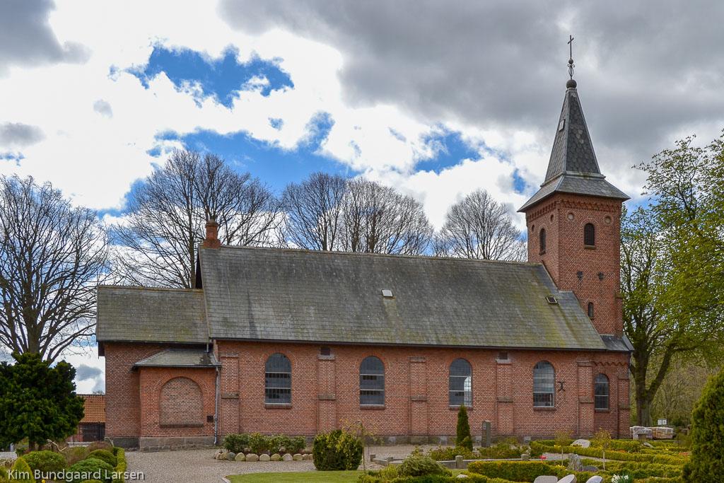 Hou Kirke foto 1
