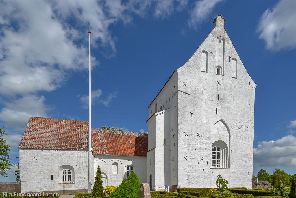 Sankt Mikaels Kirke (Sdr Næraa Kirke) foto 1