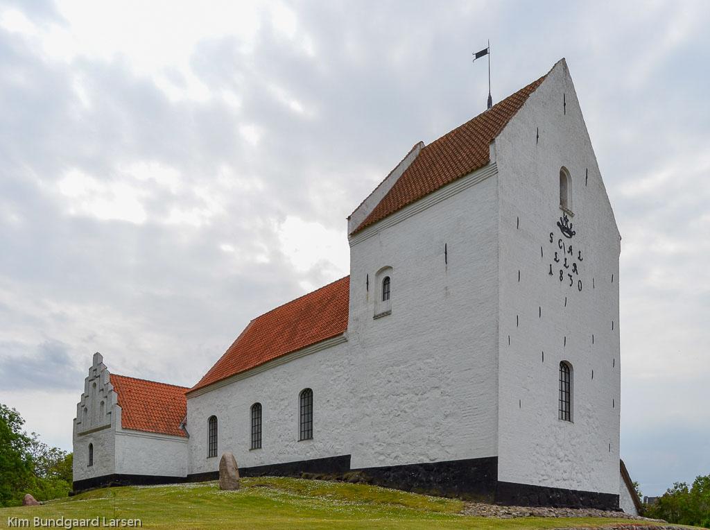 Tryggelev Kirke foto 1